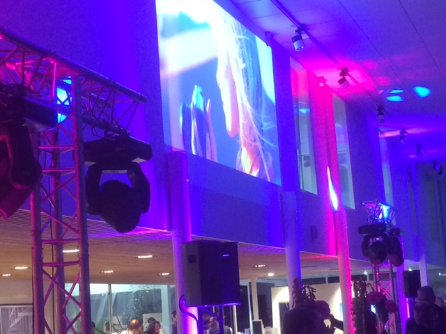 projection-video-concession-volvo-eclairage-ambiance-evenement